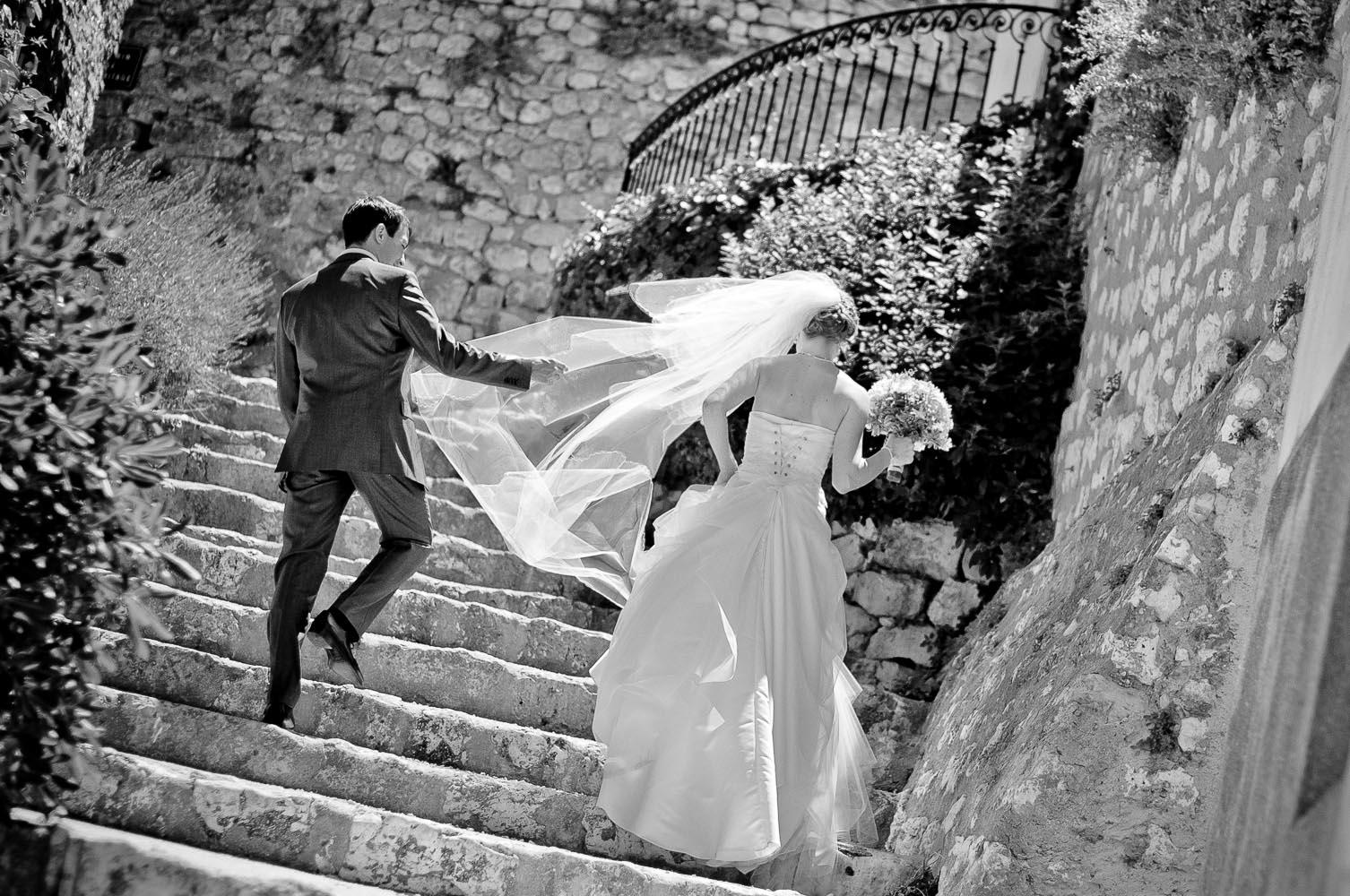 """Résultat de recherche d'images pour """"couple de mariés noir et blanc"""""""